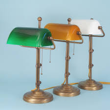 le de bureau banquier laiton verre vert beautiful le de bureau banquier laiton verre vert 12 luminaire