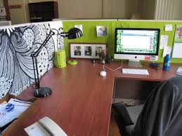 Diy Desk Decor Ideas Office 39 Cool Items To Decorating Ideas For Office At Work