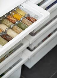 this pantry gets perfected with an elfa transformation container