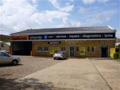 Halfords Store Finder Uk by Halfords Autocentre Wangey Road Romford Garage Services Near
