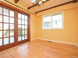 Laminate Flooring Victoria Homes With Suites In Victoria Bc