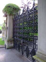 filebriggs staub house new orleans front gate jpg wikimedia
