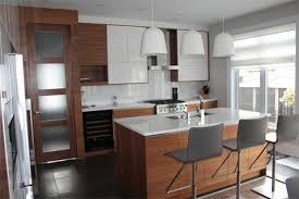 armoire de cuisine thermoplastique ou polyester portes d armoire de cuisine et salle de bain bois d or