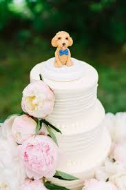 A Wedding Cake 7 Wedding Etiquette Tips The Wedding Cake Brides