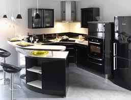 cuisine fonctionnelle petit espace deco cuisine moderne petit espace équipement de maison
