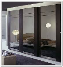 Mirror Sliding Closet Doors For Bedrooms Mirrored Sliding Closet Doors Regarding Mirror