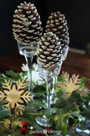 pine cone table decorations simple christmas decorations that anyone can do garden therapy