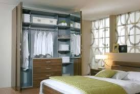 placard moderne chambre armoire porte persienne armoire les portes de placard pliantes pour