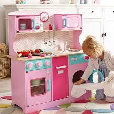 cuisine bois fille cuisine enfant bois 50 idées pour surprendre votre