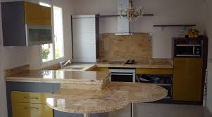 travail en cuisine plan de travail de cuisine en granit somat décor marbrier de