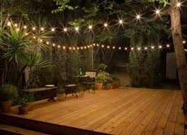 Backyard Deck Pictures by Best 25 Small Backyard Weddings Ideas On Pinterest Small