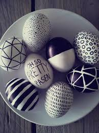 Easter Egg Decorations Pinterest by Best 25 Easter Eggs Ideas On Pinterest Easter Emoji Easter Egg