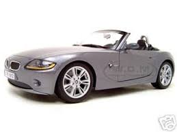 bmw z4 convertable z4 convertible diecast model grey 1 18 diecast model car maisto 31654