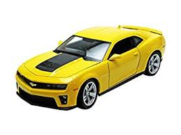 yellow camaro zl1 amazon com chevrolet camaro zl1 yellow 1 24 by welly 24042 toys