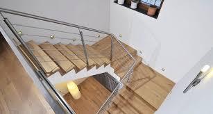 stahl holz treppe treppe aus holz metall 1 000 qm ausstellung in aschaffenburg