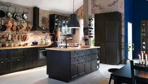 hotte industrielle cuisine 107 idées de îlot central de cuisine fonctionnel et convivial