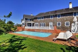 hillary and bill clinton u0027s former hamptons rental has sold for 29