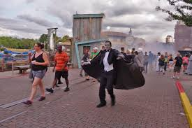 videos of halloween horror nights universal studios can you survive vamp u002755 scare zone at hhn 2016 magical getaway