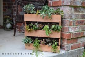 Make A Brick Succulent Planter - 17 creative diy pallet planter ideas for spring diy projects