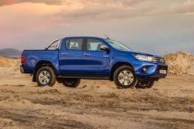 toyota an toyota hilux 2 8gd 6 dc 4x4 raider auto 2016 review cars co za