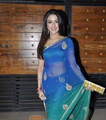 aarti chabria in blue printed transparent saree