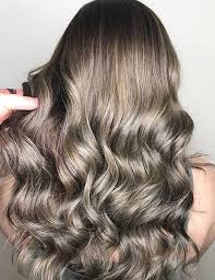 photos of gray hair with lowlights difference between highlights and lowlights