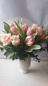 flower delivery minneapolis pink tulip flower arrangement minneapolis tulip flower