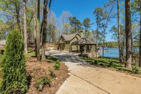 Sloping Lot Lake Martin Al New Waterfront Homes For Sale 1076 Wynndy Hill