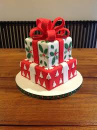Christmas Cake Decorations Gold by Best 25 Present Cake Ideas On Pinterest Birthday Present Cake