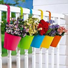 20 wonderfull window and balcony flower box ideas that you will