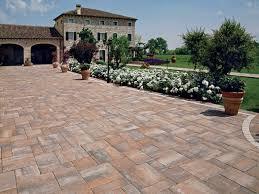 pavimentazione giardino prezzi pavimenti esterni moderni idea creativa della casa e dell