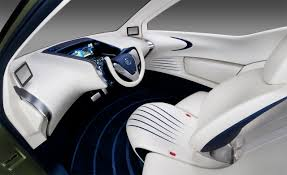 Futuristic Doors by Tokyo 2011 Nissan Pivo 3 Concept Looks Like A Computer Mouse