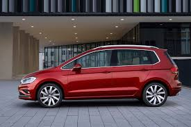 volkswagen van 2018 2018 volkswagen golf sportsvan gets sharpened design new tech