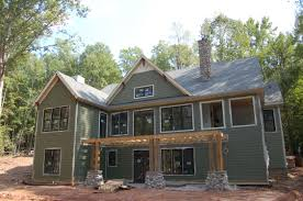 tile and trim modern craftsman style home