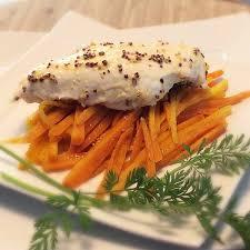 cuisiner des blancs de poulet moelleux recette blancs de poulet à la moutarde carottes au cumin moelleux