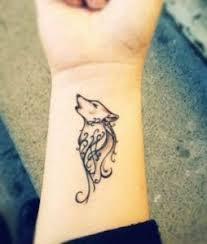 tattoo tribal no antebraço design tribal de tatuagem de lobo tribal bonito em antebraço para