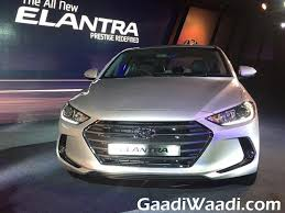 hyundai elantra price in india hyundai elantra launched in india 12 gaadiwaadi com