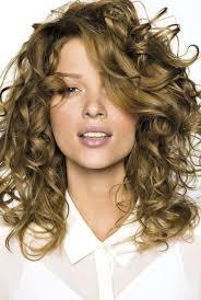 cheveux bouclã s coupe coupe de cheveux mi dégradé bouclé recherche hair