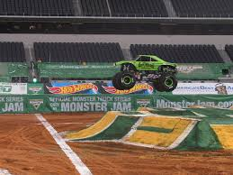 bj johnson gas monkey garage monster jam truck