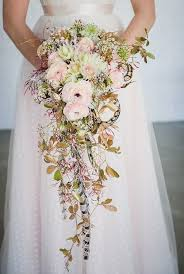 bridal bouquets trailing wedding bouquets 20 stunning cascading bouquets expert