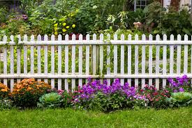 Fencing Ideas For Small Gardens 40 Beautiful Garden Fence Ideas