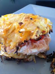 cuisiner un hamburger hamburger de pomme de terre carottes et saumon frais et