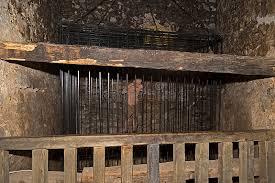 chambre des tortures chambre de au château de corvin hunedoara roumanie image