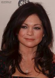 how to get valerie bertinelli current hairstyle valerie bertinelli long hair that makes a 50 plus woman look younger