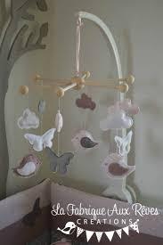 chambre mobile mobile bébé éveil oiseaux papillons nuage poudré vieux