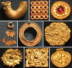 file jewelry and clothing ornaments jpg wikimedia commons