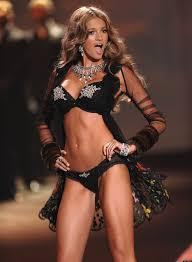 victoria s secret halloween costume kylie bisutti former victoria u0027s secret model says she quit