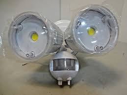 home zone security led motion light home zone security light review yourgarageguard com