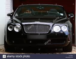 bentley garage peter andre successfully parks his bentley into his narrow garage
