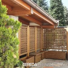 tettoia in legno per terrazzo divisori legno per balconi e terrazzi cereda legnami agrate brianza